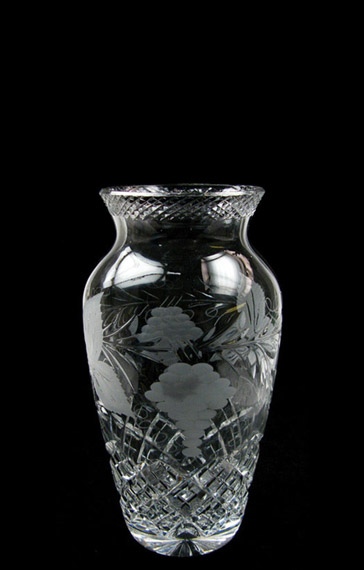 7 inch Urn Vase Grapevine