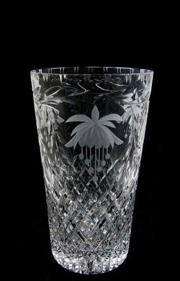 8 inch Con Vase Fucshia